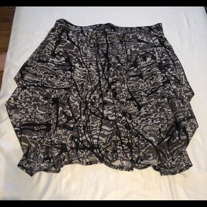 Zara Basic patterned Skirt size Medium
